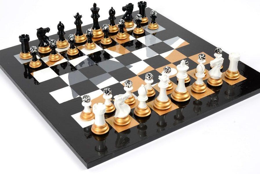 Darren-John-hand-original-painted-chess-set