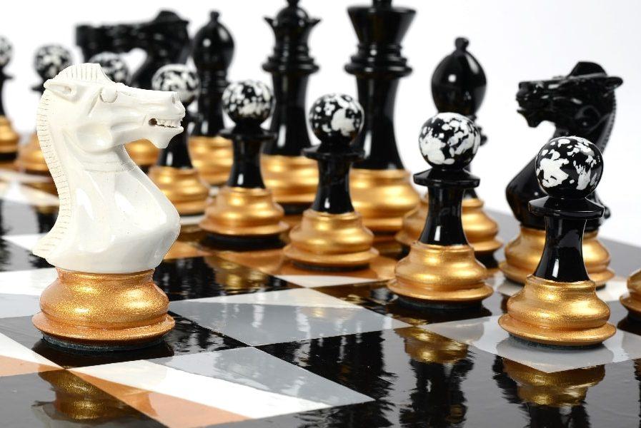 Darren-John-hand-painted-chess-set-White-Knight