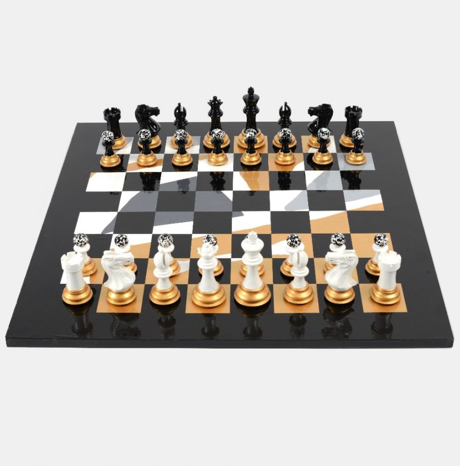 Darren-John-hand-painted-chess-set-main